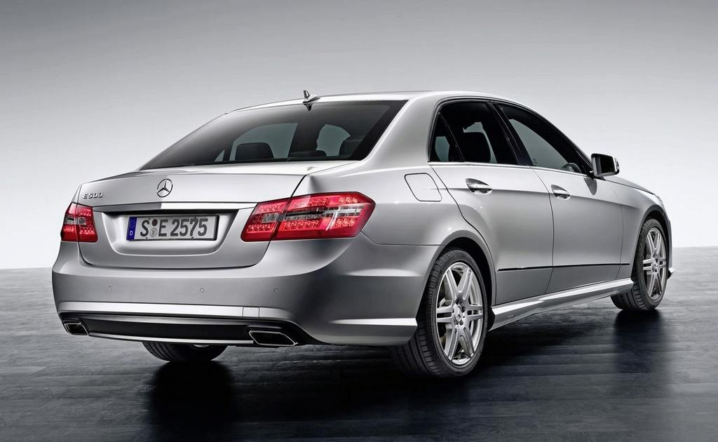 2010-mercedes-benz-e-class-sedan_15