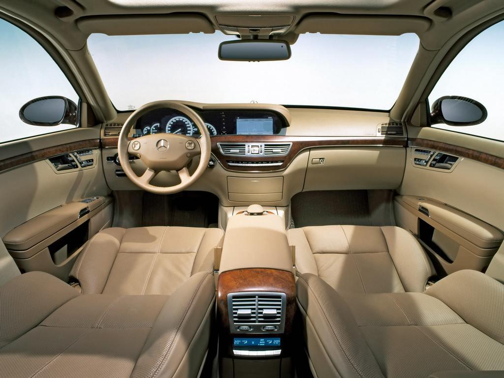 2012_mercedes_benz_S-Class-Interior